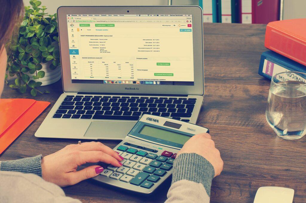 finantsanalüüs ja -prognoos